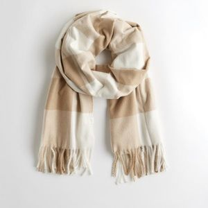 Hollister- woven scarf brown plaid